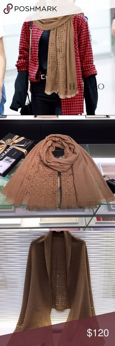 CHANEL Scarf shawl Brand new scarf, I've never used it. So everything I sell is the best, All scarves have boxes The arrival time is 8-10 days, If you can't accept this time, please don't buy it, because I'm rarely Online If you are not satisfied, you can call me Thanks CHANEL Accessories Scarves & Wraps