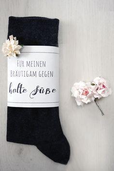 Die Survival/Notfall-Box für den Bräutigam: Banderole für kalte Füße als Freebie zum Download