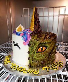 Half unicorn, half dragon buttercream cake More memes, funny videos and pics on Dragon Birthday Cakes, Half Birthday Cakes, Joint Birthday Parties, Dragon Cakes, Birthday Cake For Twins, Girl Birthday, Bolo Clash Royale, Twins Cake, Dinosaur Cake