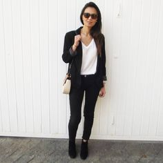 "1,556 Me gusta, 291 comentarios - Lúcia Cristina Chan (@lucitacris) en Instagram: ""Current Obsession: Black, white, grey, nude and repeat.   Minha atual obsessão com cores neutras:…"""