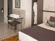 Casa Mathilda (Barcelona) Visual Merchandising, Barcelona, Design Blog, Store Design, Design Furniture, Stores, Bed And Breakfast, Interior Architecture, Flooring