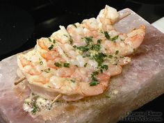 How To Make Shrimp Scampi. How To Cook Like Your Grandmother (I doubt she had a Himalayan salt Block) Himalayan Salt Block Cooking, Himalayan Salt Plate, Salt Block Grilling, How To Make Shrimp, How To Cook Kale, Cooking Stone, Cooking Pumpkin, Cooking Kale, Scampi