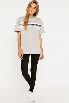 *URBAN OUTFITTERS - FILA || 'Cameron' stripe tee | Camiseta con rayas 'Cameron'