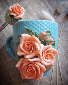 Polymer Clay Dragon, Polymer Clay Crafts, Polymer Clay Creations, Diy Clay, Clay Jar, Clay Mugs, Ceramic Flowers, Clay Flowers, Cute Mug