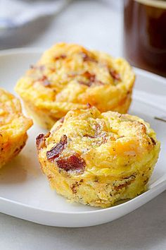 Bacon Egg Muffins Cheesy Bacon Egg Muffins - Low in carbs and high in protein - The perfect make-ahead breakfast for on the go.Cheesy Bacon Egg Muffins - Low in carbs and high in protein - The perfect make-ahead breakfast for on the go. Breakfast Desayunos, Breakfast On The Go, Make Ahead Breakfast, Breakfast Dishes, Breakfast Egg Muffins, Egg Recipes For Breakfast, Breakfast Muffins Healthy Egg, Breakfast In Muffin Tins, Breakfast Casserole With Bacon