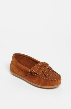 Minnetonka Studded Moccasin (Walker, Toddler, Little Kid & Big Kid)