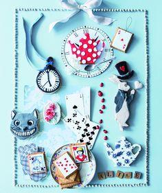 Des biscuits sur le thème d'Alice au pays des merveilles