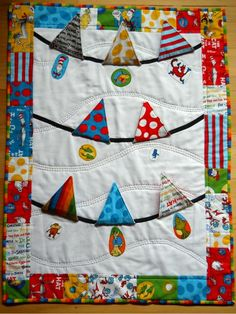 peek a boo Dr Seuss~ Lift the flap baby quilt! Baby Sewing Projects, Quilting Projects, Sewing Crafts, Diy Crafts, Quilting Ideas, Cute Quilts, Easy Quilts, Fabric Bunting, Baby Bunting