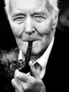 Tony Benn - Labour MP, writer, activist, feminist and social commentator. Died today March My hero! People Smoking, British People, Labour Party, Great Photographers, Along The Way, My People, Beautiful People, Beautiful Things, Role Models