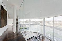 El interior destaca por su diseño vanguardista y su amplitud.