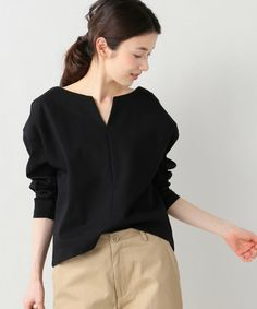 SLOBE IENA(スローブイエナ)の「バスクポンチ キーネックプルオーバー◆(Tシャツ/カットソー)」|ブラック Simple Outfits, New Outfits, Fashion Outfits, Womens Fashion, Western Outfits, Japan Fashion, Korean Outfits, Casual Tops, Outfits