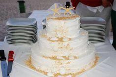 Lara Bolos. #casamento #bolodosnoivos #bolos