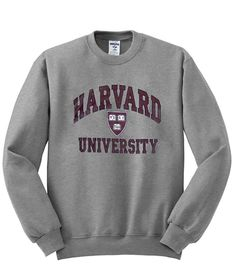 About Harvard Univercity Sweatshirt IGS.This Sweatshirt is Made To Order, we print one by one so we can control the quality. We use DTG Technology. Cute Comfy Outfits, Comfortable Outfits, Trendy Outfits, Short Shirts, Tee Shirts, Jumper Outfit, Sweatshirt Outfit, University Outfit, Trendy Hoodies