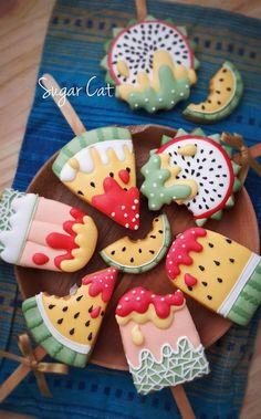 Summer fruit icecream cookies on a stick Fruit Cookies, Iced Cookies, Royal Icing Cookies, Cookies Et Biscuits, Cupcake Cookies, Cupcakes, Summer Cookies, Fancy Cookies, Cute Cookies