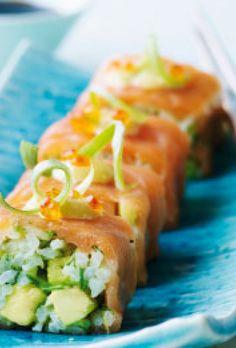 Smoked salmon rolls with avocado Salmon Recipes, Asian Recipes, Ethnic Recipes, Salmon Roll, Shellfish Recipes, Aioli, Smoked Salmon, Fresh Rolls, Starters