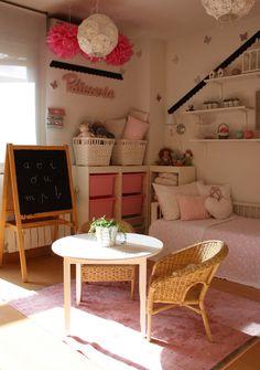 Habitación para niña en blanco y rosa : Una habitación renovada, este proyecto decorativo realizado por Ana España fué presentado hace unos meses en Decoideas y causó un gran impacto, hoy lo reto