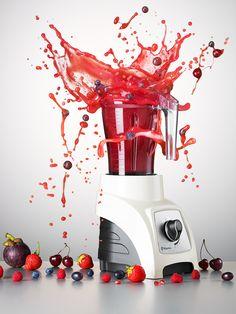 #Stilllife #product #photographer #creative #editorial #advertising #liquid #water #splash #explosion #action #drink #food #fruit #berry #blender #smoothie #kitchen #appliance