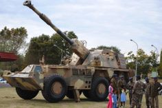 SANDF G-6 self propelled gun. Self Propelled Artillery, Defence Force, Armored Fighting Vehicle, Big Guns, Military Weapons, Armored Vehicles, Military History, Military Vehicles, Army