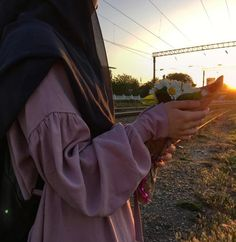 💎 Miss Bushra Kakar💎 Modest Fashion Hijab, Niqab Fashion, Modern Hijab Fashion, Casual Hijab Outfit, Muslim Fashion, Hijab Niqab, Muslim Hijab, Hijab Chic, Mode Hijab
