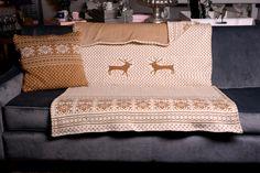 Pletená deka Throw Pillows, Home, Toss Pillows, Cushions, Ad Home, Decorative Pillows, Homes, Decor Pillows, Scatter Cushions