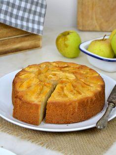 Apple Cake Recipes, Dessert Recipes, Cupcakes, Cupcake Cakes, Tortas Light, Cake Light, Indian Cake, Bunt Cakes, Pan Dulce
