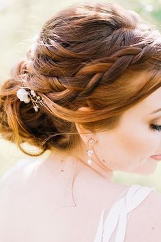 Rose gold bridal accessories for an outdoor Maryland wedding with baby goats! Couture wedding jewelry by J'Adorn Designs, custom jeweler in Baltimore. Classic Wedding Inspiration, Bohemian Wedding Inspiration, Style Inspiration, Floral Wedding Gown, Wedding Bride, Luxe Wedding, Red Hair Brides, Hippie Bride, Nature Inspired Wedding