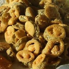 Deep Fried Jalapeno Slices served with ranch dressing. Gourmet Recipes, Appetizer Recipes, Snack Recipes, Cooking Recipes, Spicy Appetizers, Snacks, Jalapeno Recipes, Recipes With Jalapenos, Fried Jalapenos