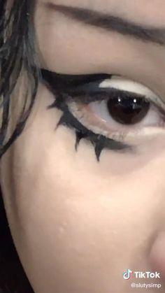 Punk Makeup, Indie Makeup, Grunge Makeup, Gothic Makeup, Eye Makeup Art, Skin Makeup, Makeup Inspo, Makeup Inspiration, Makeup Tutorial Eyeliner