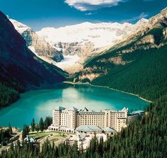 Fairmont Chateau Lake Louise Hotel - .... A unique hotel in the Canadian mountains. Amazing pictures, hotel, unrealistic Canadian nature, mountains and lake,romantic dreams !