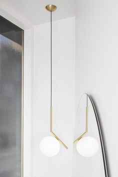 Flos IC Light S Pendant Lamp at Stardust. IC Pendant S by Flos are jewel-like Light Fixtures made by Flos. Farmhouse Lighting, Rustic Lighting, Industrial Lighting, Home Lighting, Lighting Stores, Modern Lighting, Lighting Ideas, Lighting Design, Deco Luminaire