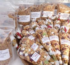 Back to School Snacks ~ Granola and Trail Mix Homemade Trail Mix, Healthy Snacks, Healthy Recipes, Gastro, Snacks Saludables, School Snacks, School Lunch, Food Packaging Design, Food Gifts