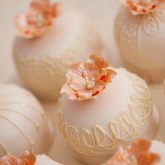 Start your own Wedding Cake Business! http://cakestyle.tv/products/wedding-cake-busines-serie/?ap_id=weddingcake - Exquisite peach mini #WeddingCake