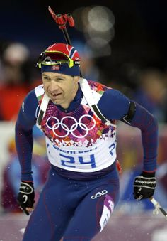 Bjoerndalen wins 7th career Olympic gold in sprint - Norway's Ole Einar Bjoerndalen competes during the men's biathlon 10k sprint, at the 2014 Winter Olympics, Saturday, Feb. 8, 2014, in Krasnaya Polyana, Russia. (AP Photo/Lee Jin-man)