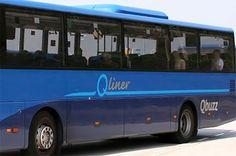 Bus botst tegen vrachtwagen in Klazienaveen