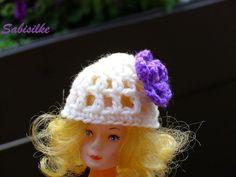 Puppenkleidung - Mütze mit Blüte *** violett *** für Barbie - ein Designerstück…
