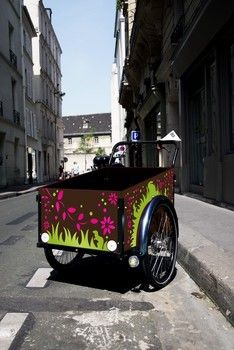 Customize the children box Christiania Bike, Professional Painters, Antique Cars, Children, Box, Painting, Vintage Cars, Young Children, Boys