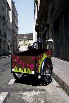 Customize the children box Christiania Bike, Professional Painters, Antique Cars, Children, Box, Vintage Cars, Boys, Kids, Big Kids
