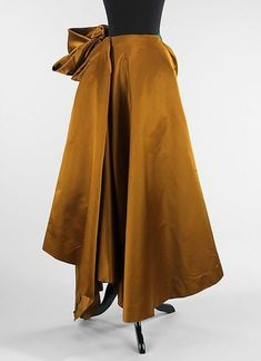 Charles James (American, born Great Britain, 1906–1978), Evening skirt, 1948, silk. Brooklyn Museum Costume Collection at The Metropolitan Museum of Art, Gift of the Brooklyn Museum, 2009; Gift of Millicent Huttleston Rogers, 1949.