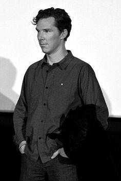 B & W Cumberbatch (via http://sexy-consulting-gryffindor.tumblr.com/post/42147632449/b-w-cumberbatch# )
