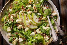 Salat kan du spise til både lunsj, middag og kvelds. Her er triksene som gjør salaten mer spennende, smakfull og mer mettende.