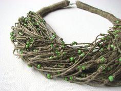 Gocce d'acqua verde - collana di lino