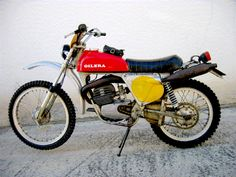 Vintage Motocross, Vintage Racing, 50cc, Motor Company, Dirt Bikes, Dear Santa, Cool Bikes, Cars And Motorcycles, Offroad