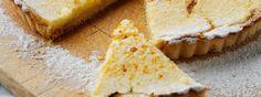 Deliciosa y ligeramente cremosa receta de tarta de limón FAGE Total. Una receta exquisita de tarta de limón hecha con Yoghurt Estilo Griego FAGE® Total 0%. ¡Pruébala!