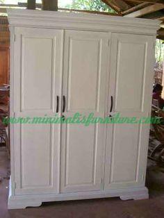 lemari pakaian minimalis 3 pintu white
