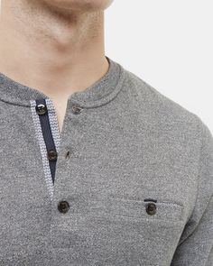 Haut à col Henley - Gris charbon Polo Rugby Shirt, Mens Polo T Shirts, Henley Shirts, Mens Tees, Mens Knitted Cardigan, Polo Sweater, Men Sweater, Casual Shirts, Casual Outfits