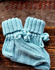 Merino footwear for baby. Light blue. Merino Wool Socks, Baby Socks, Baby Knitting, Light Blue, Slippers, Footwear, Trending Outfits, Unique Jewelry, Handmade Gifts