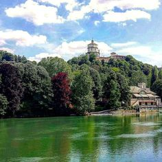 Un dipinto  #love #turin #torino #picoftheday #pic #photography #mycity #mypassion #beautiful #place #beauty #likeit #happiness #momenti #follow #me #spring #sky #green #fiume #nowords #nature #landscape #montecappuccini #walking #spring #sun #sunnyday #ciauturin  Photo by @eleonorasassonereal