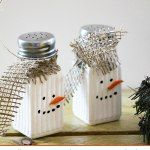Easy snowman salt and pepper shakers, DIY and Crafts, Make some cute table top Dollar tree Snowman salt and pepper shakers. Dollar Tree Christmas, Dollar Tree Crafts, Christmas Snowman, Winter Christmas, Christmas Holidays, Christmas Decorations, Christmas Ornaments, Snowman Tree, Snowman Wreath
