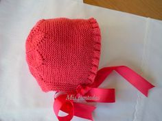 Lovely garter stitch bonnet with tiny ruffle ~~ Entre bordados y costuras by Chelo Vicente Baby Knitting Patterns, Free Baby Patterns, Baby Hats Knitting, Knitting For Kids, Double Knitting, Knitting Projects, Lace Knitting, Knitted Hats, Crochet Patterns