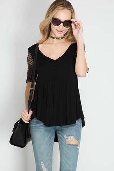 HALF SLEEVE TOP Half Sleeve Top With Buttons And Floral